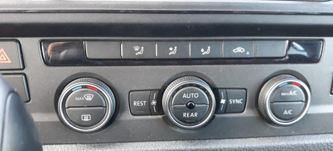 VW Caravelle Kombi 2.0TDI DSG